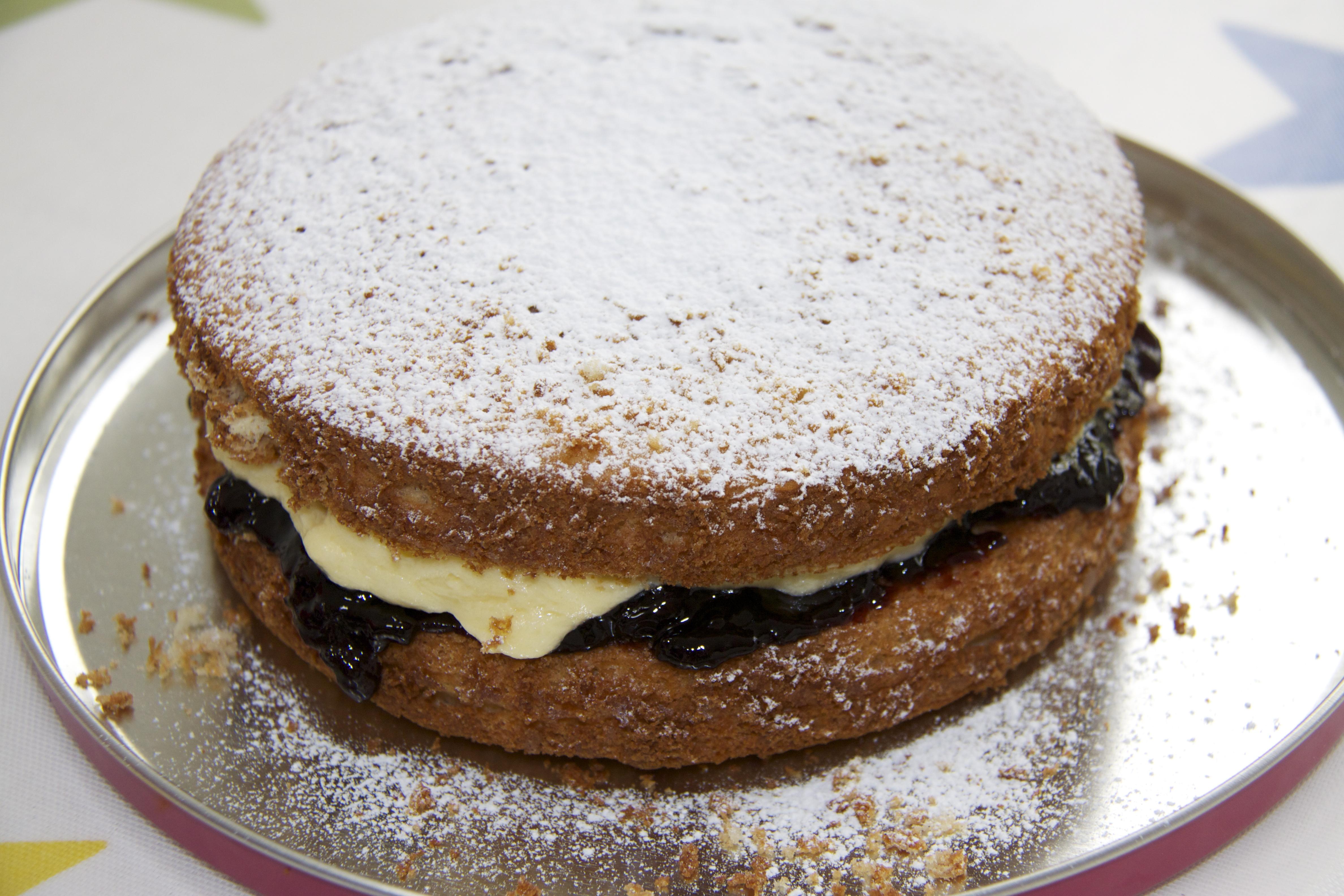 Bero Victoria Sponge Cake Recipe
