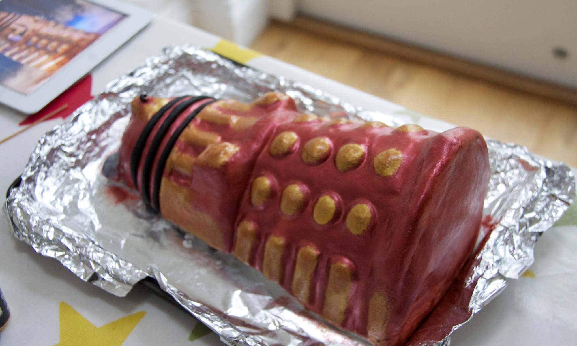 Lakeland hold the anchovies please to celebrate the fiftieth anniversary of dr who lakeland have launched a range of whovian kitchen paraphernalia the dalek cake mould is sturdy solutioingenieria Choice Image