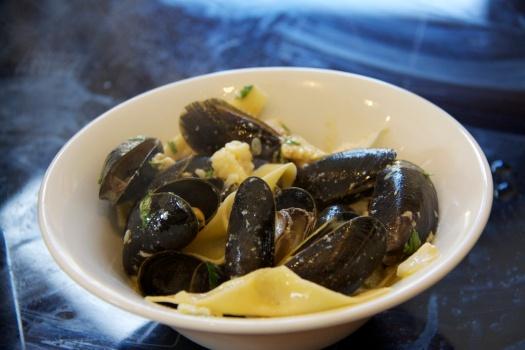 Crab, mussel, pasta