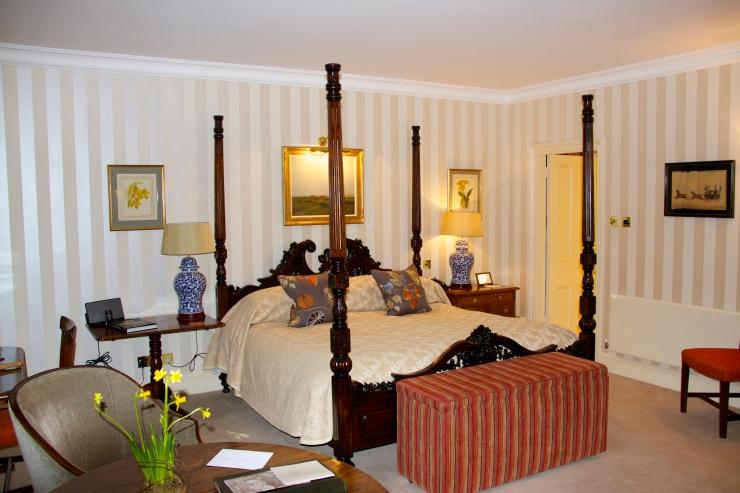 'Walnut' bedroom