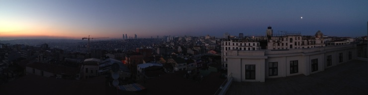 Rooftop moon, Mama Shelter, Istanbul