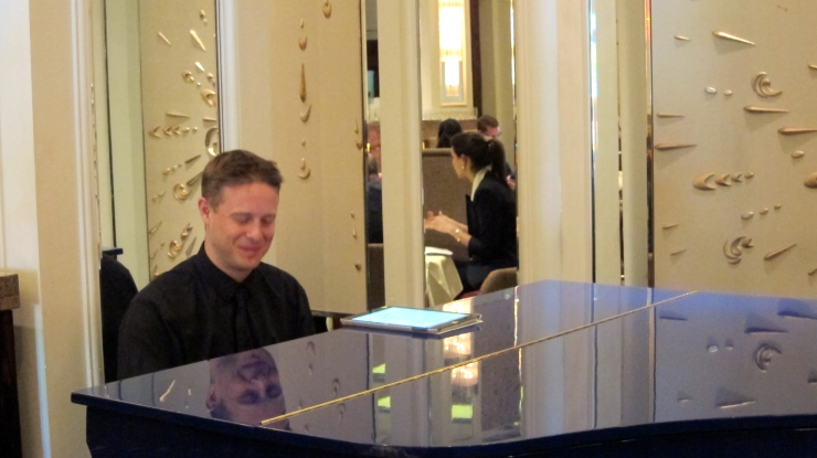 Pianist at the Langham