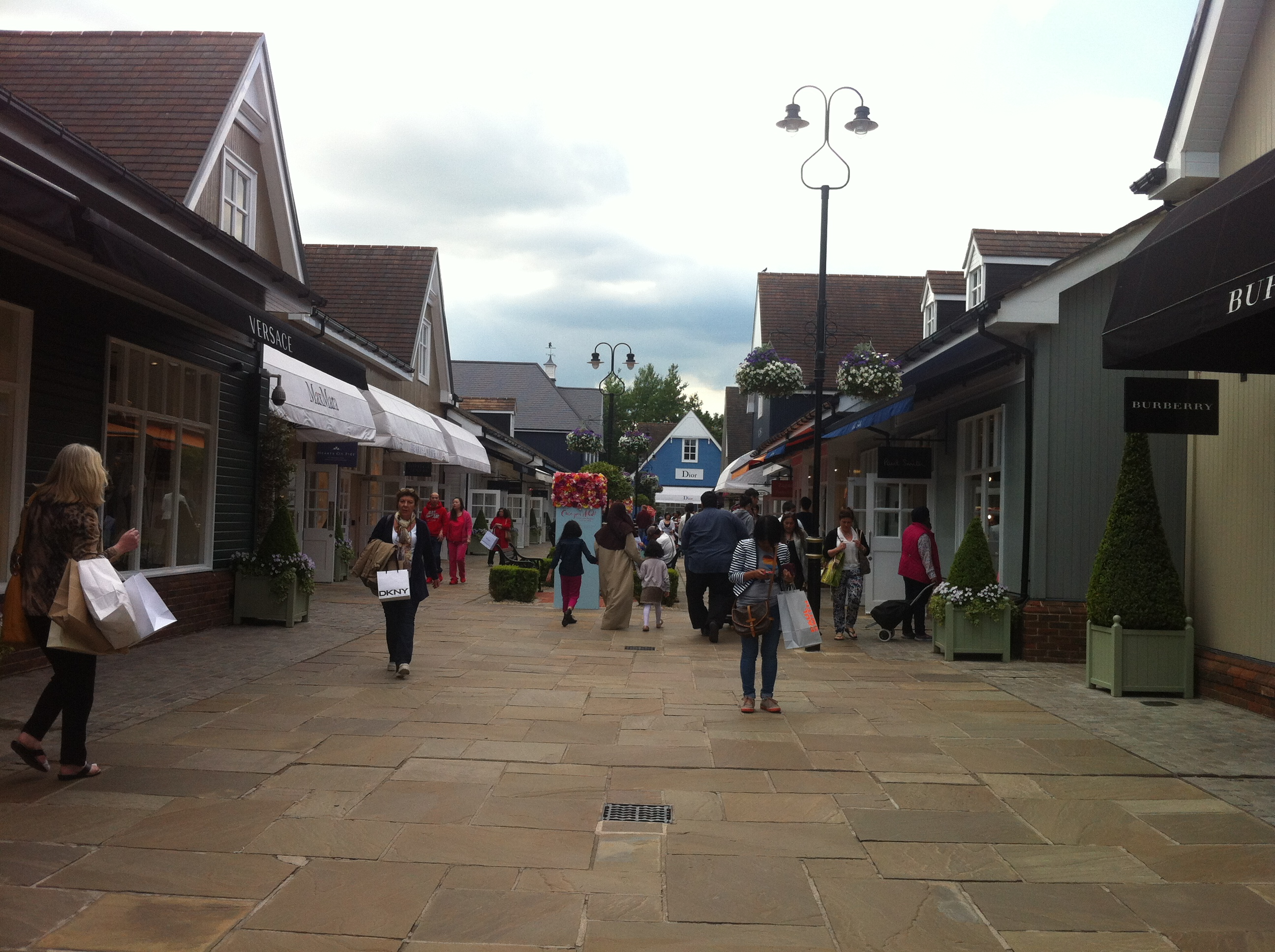 ugg shop bicester phone number