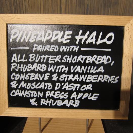 Pineapple Halo, Castello