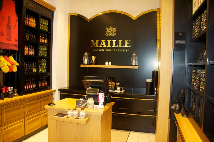 Downstairs, Maille Boutique