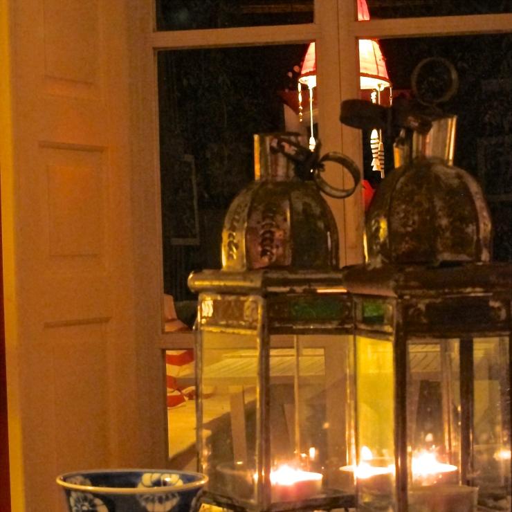 Lanterns, Qunita Da Cebola Vermelha