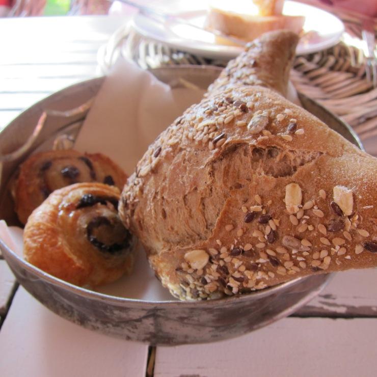 Fresh bread, Quinta Da Cebola Vermelha