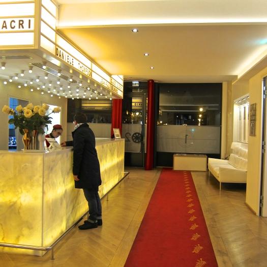 Reception, Sebastopol 123, Paris