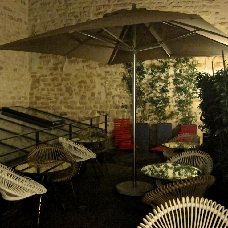 Patio. Sebastopol 123, Paris