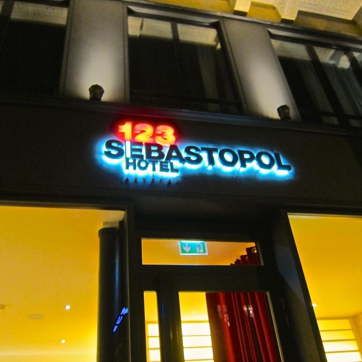 Sebastopol 123, Paris