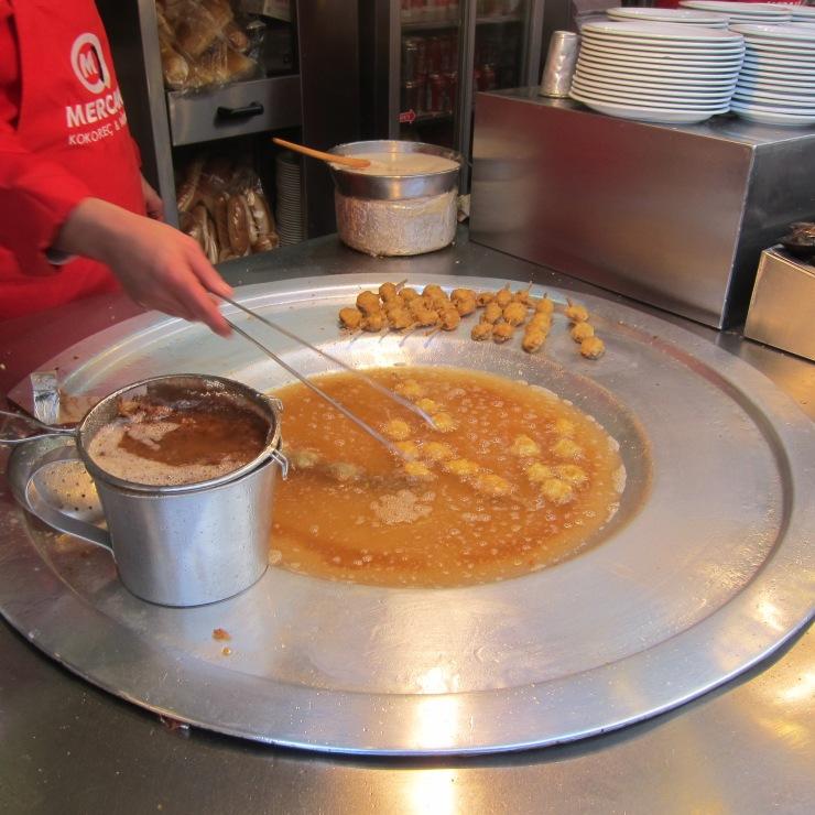 Deep-fried, stuffed mussels