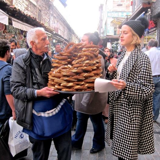 Simit buying, Istanbul
