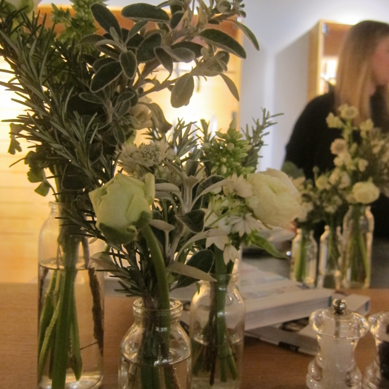 Flowers, Victorinox