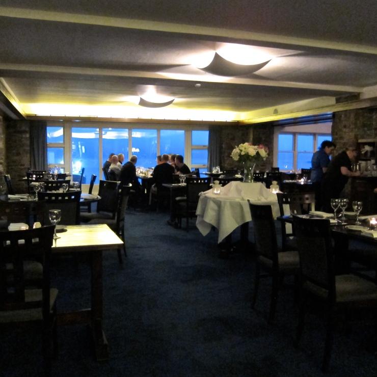 Pier One Restaurant, Trident Hotel