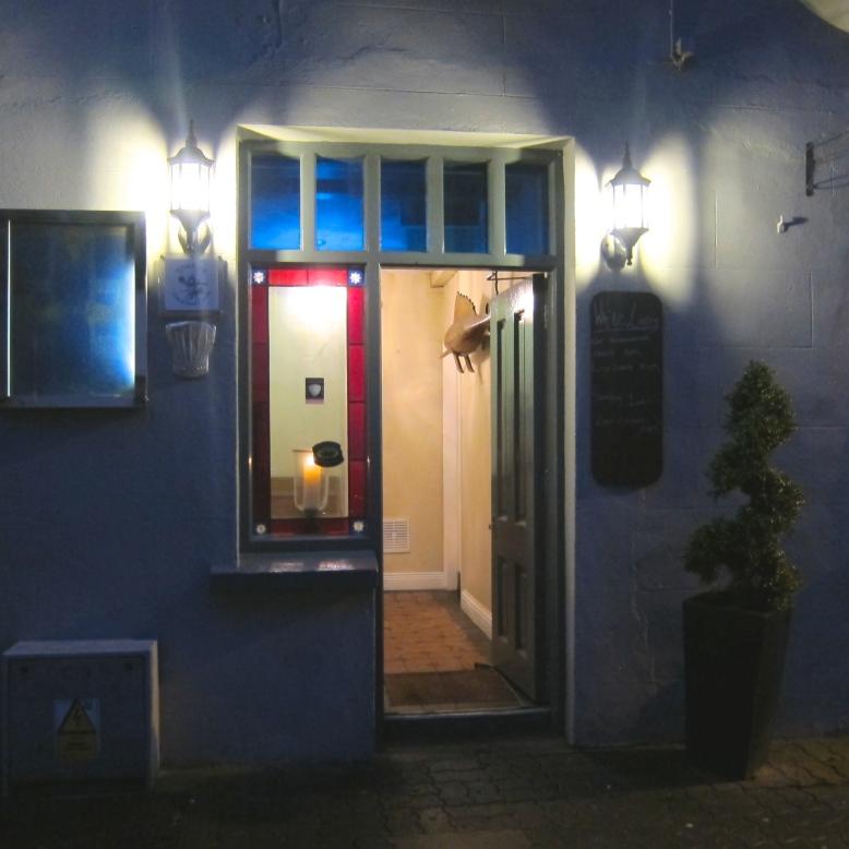 White Lady Hotel Restaurant