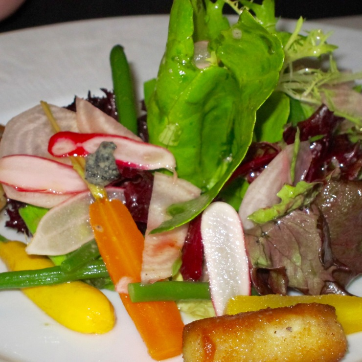 Raw and cooked vegetables salad, pig´s trotters croquette, truffle vinaigrette
