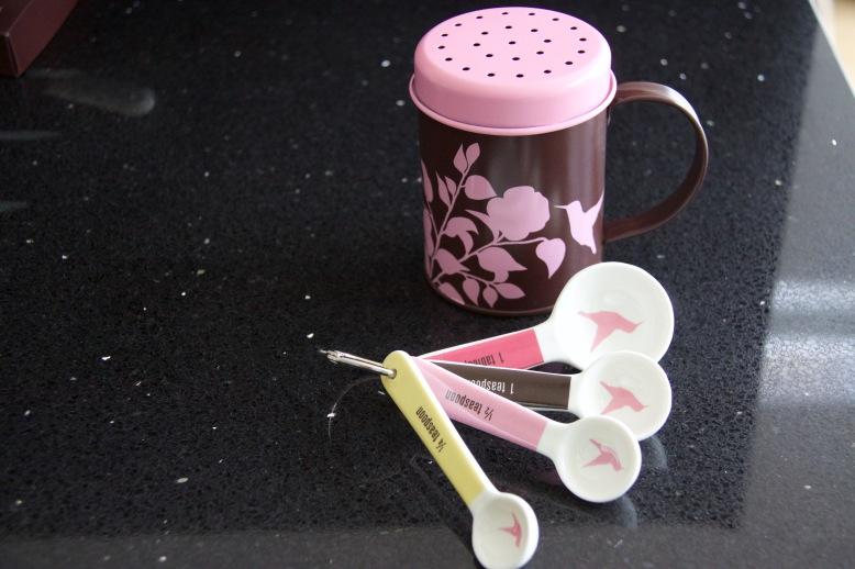 Hummingbird Bakery Icing Sugar Shaker